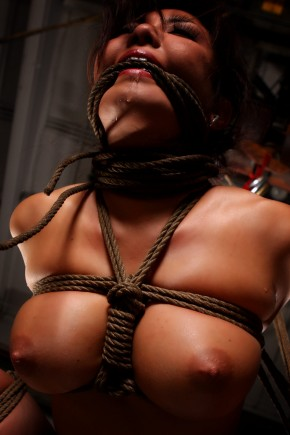 akiralanebound com an asian lady constrained bondage by